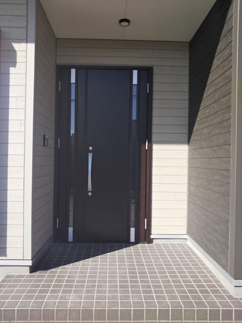 玄関親子ドア